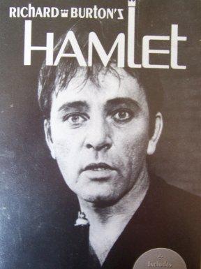 Essay comparing hamlet macbeth